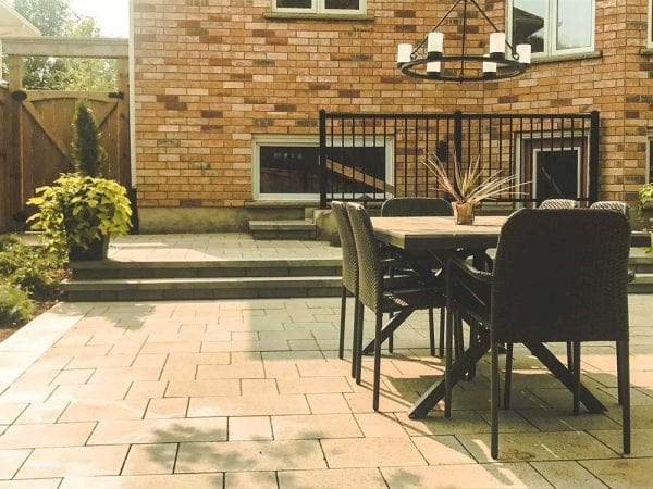 Outdoor-Furniture-On-Patio-In-Kitchener-600x450